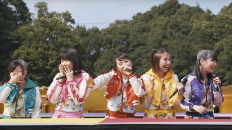 momoclo-the-golden-history-mv
